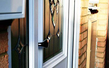 فواید درب ها و پنجره های upvc 1